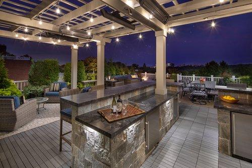 4600_Kenmore_Roof_Deck_1_F_R.jpg