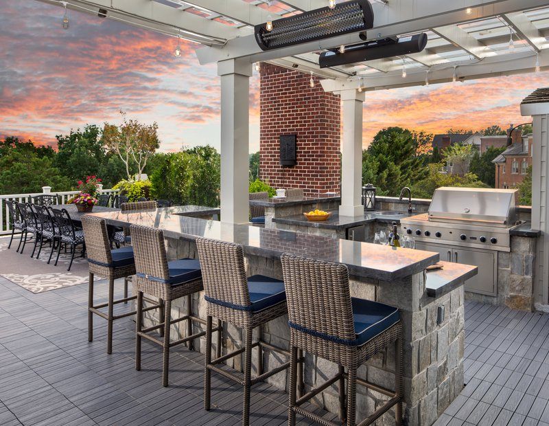 4600_Kenmore_Roof_Deck_2_F_R_2 small.jpg